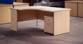 Second-Hand Desks & Tables