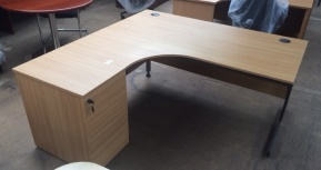Second-hand Desks